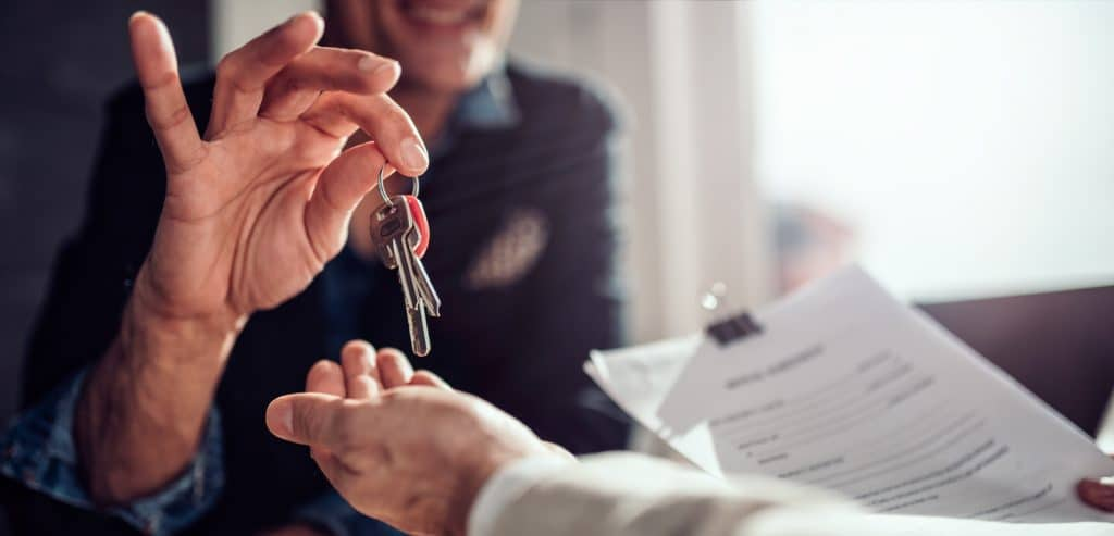 passing house keys to renter